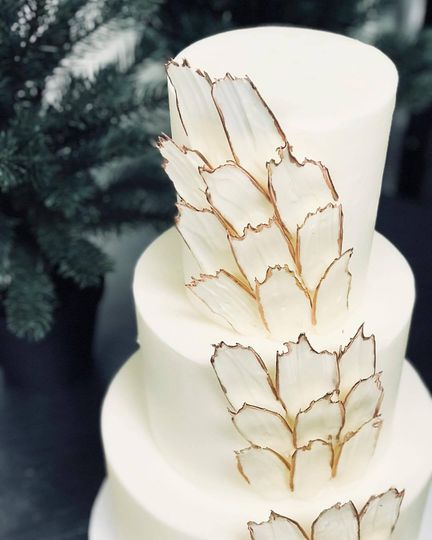 Gold Feather Accent Cake