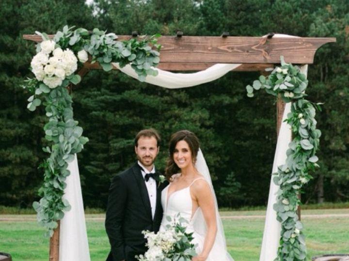 Tmx Angelica Wedding Couple Photo 2 51 1870367 162411890295345 Auburn Hills, MI wedding florist