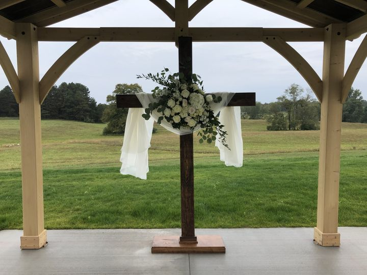 Tmx Bellaire Cross 51 1870367 162411890887165 Auburn Hills, MI wedding florist