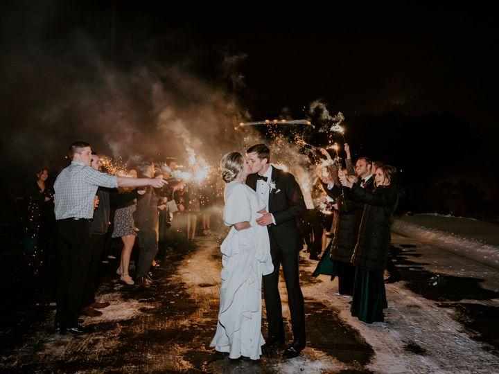 Tmx Erin Zach Sneak Peek 1 51 1001367 160961380774203 Burlington, WI wedding photography