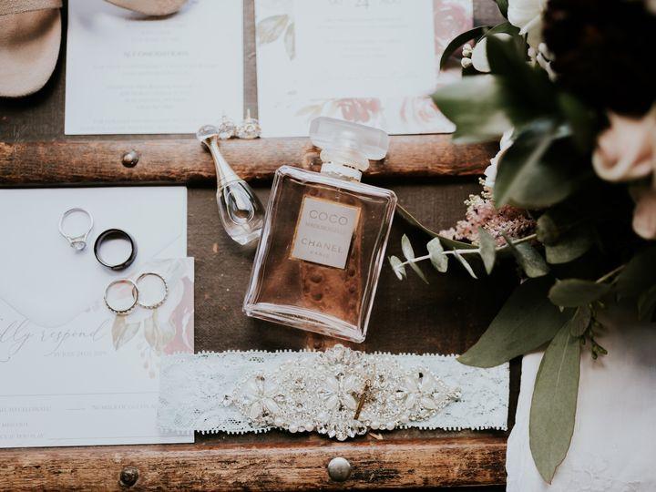 Tmx Mr Mrs Ryan Summer Mercantile Hall Wedding 21 51 1001367 1572524516 Burlington, WI wedding photography