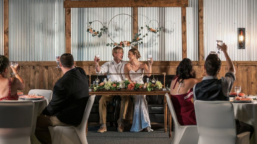 Intimate Sweetheart Tables
