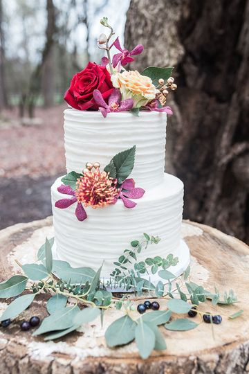 Textured wedding cake decorated in flowers