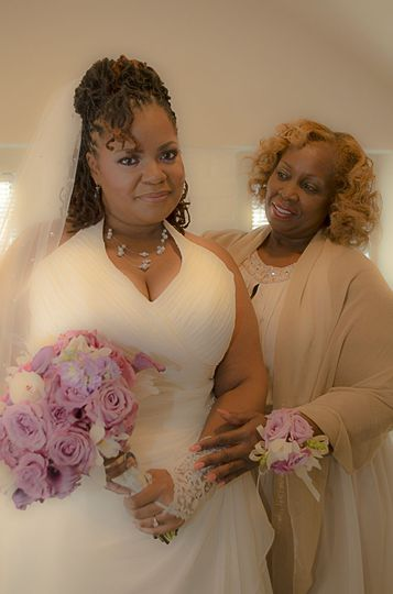 Bride and her mom