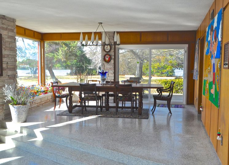 10-foot dining table
