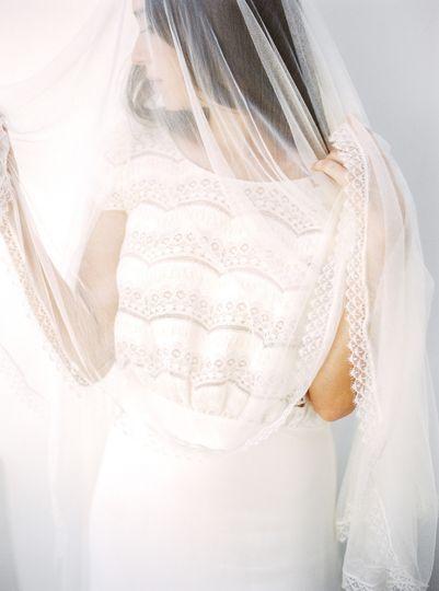 les amis photo destination wedding photographer santorini styled andr film 10 51 580467