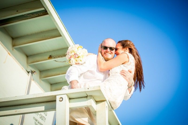wedding photo on lifeguard tower