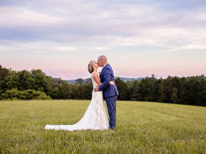 Tmx 1532010596 65d76f374af5e956 1532010595 5d4ba0354bda5a46 1532010588646 3 Annette And Justin Lynchburg, Virginia wedding photography