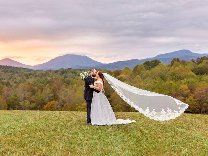 Tmx Mackenzie And Ryan Previews 54 51 992467 158422380353624 Lynchburg, Virginia wedding photography