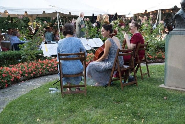 Orchestrating an outdoor reception