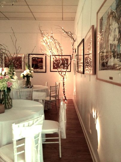 The Whiting Gallery is ideal for seating combined with a dance floor.