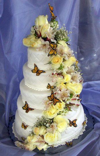 paola cake atelier wedding cake miami fl weddingwire. Black Bedroom Furniture Sets. Home Design Ideas