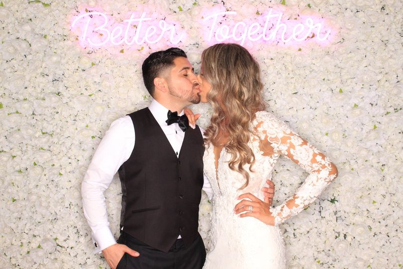 photo booth neon 51 2017467 161421407773855