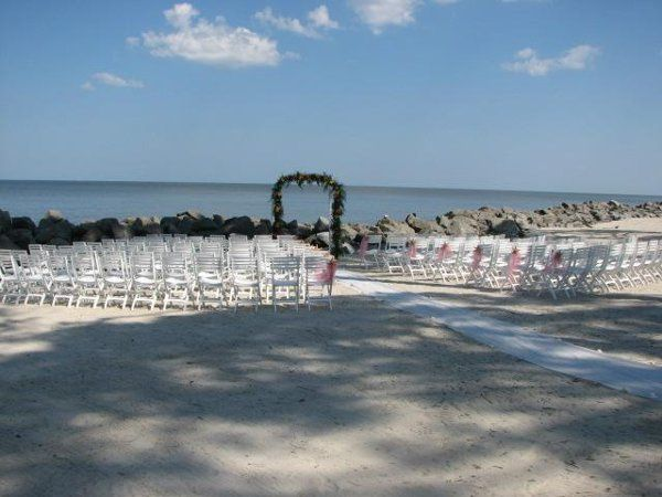 800x800 1243947556171 beachceremony