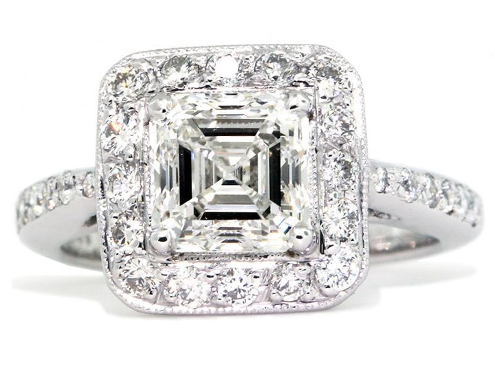 Square diamond studded ring