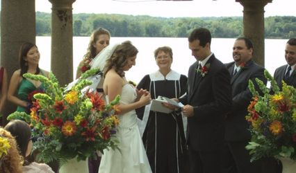 A Divine Time Wedding & DJ Service