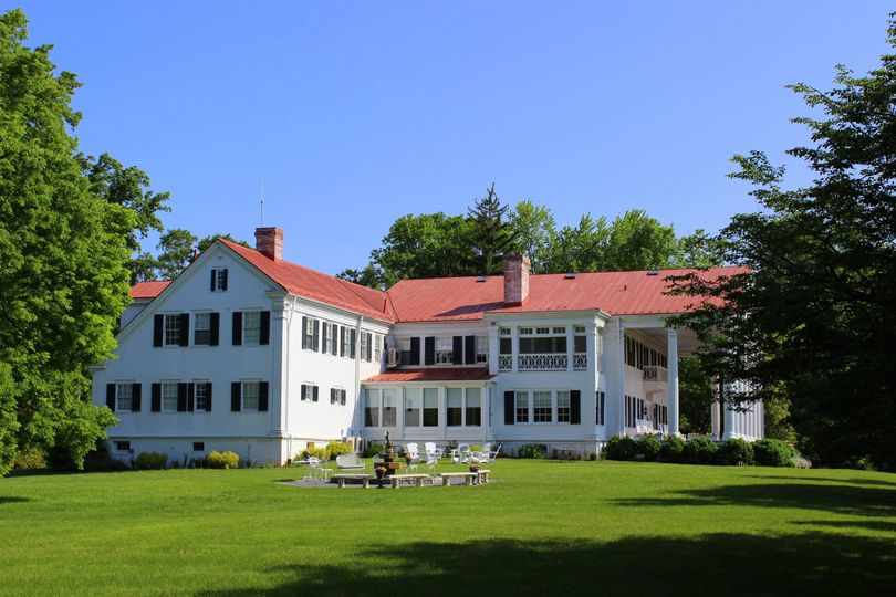 Built in 1811, Rosemont is perfect for your destination-style wedding without ever leaving home....