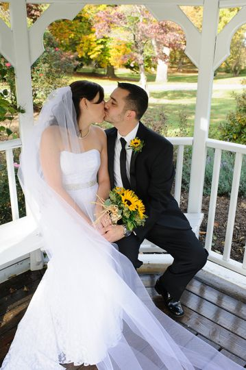800x800 1431533797083 064 historic rosemont manor virgina wedding nick k