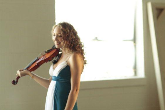 Scarlett deering - violinist