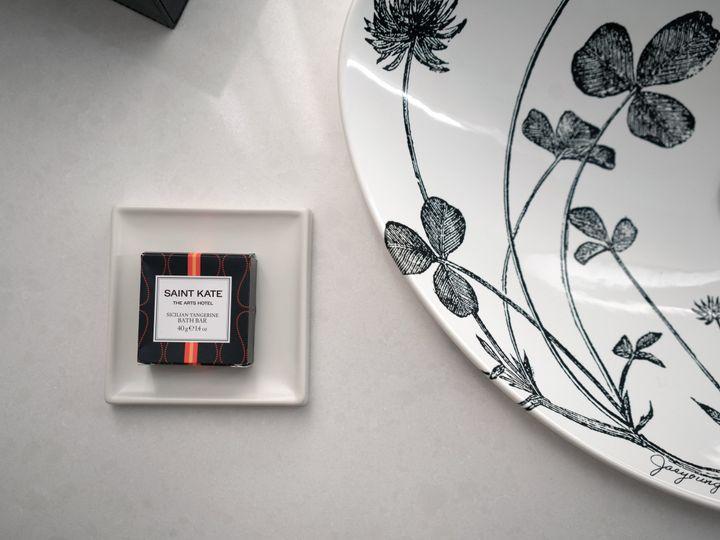 Tmx Saint Kate Model Room Bathroom 04 51 434567 Milwaukee, WI wedding venue