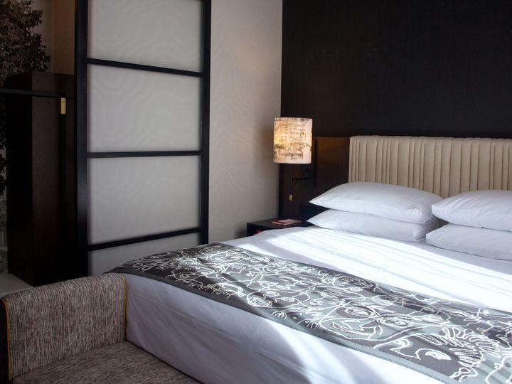 Tmx Saint Kate Model Room Bedroom 04 51 434567 Milwaukee, WI wedding venue