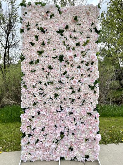 Floral walls in various sizes