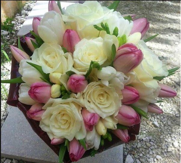 Roses & Tulips beach wedding