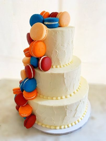 Cake & Macarons