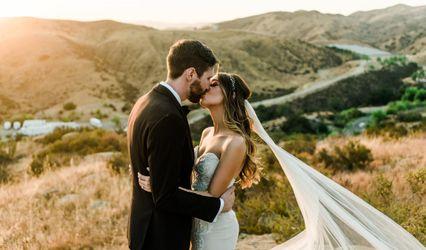 Moments 2 Memories Weddings & Events