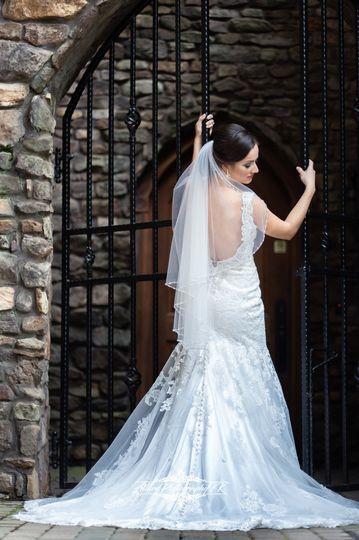 311a5f4be9011c6e 1536859016 b6ba4840131977bd 1536858992879 9 Fun Wedding Allure