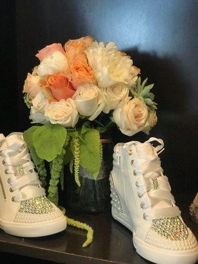 Summer peach bridal bouquet
