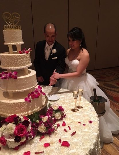 Cake cutting at Sugar Land Marriott Town Center