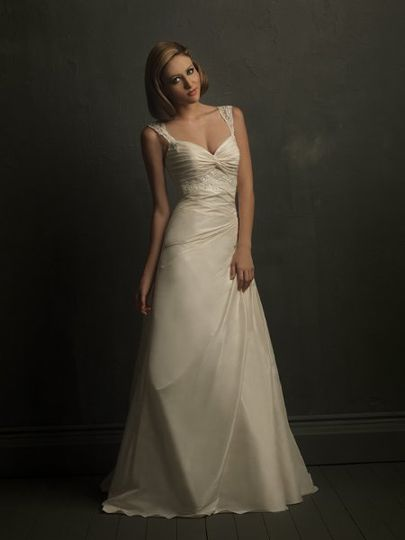 Simple style dress, elegant bridal gown