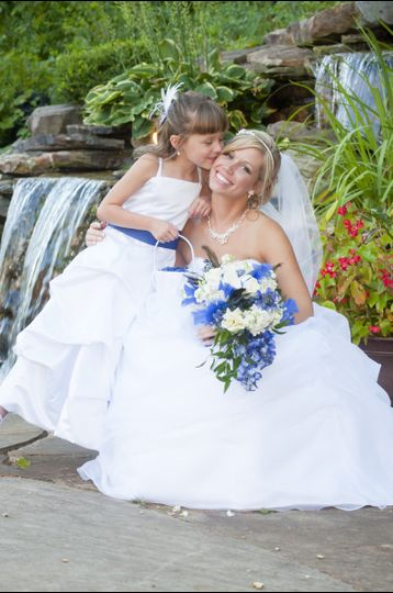 800x800 1450370175461 bride flower girl and outdoor falls