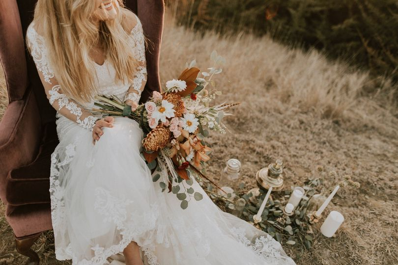 A rustic bride - Rose & Belle Photography