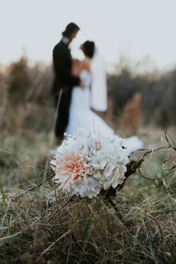 Love in nature - Rose & Belle Photography