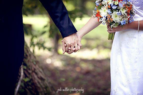 weddingholdinghands