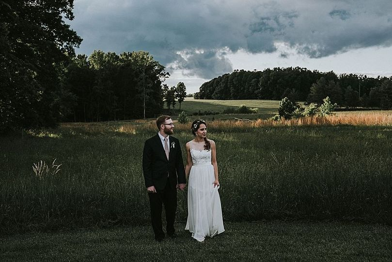 800x800 1530895760 608ccc471552a868 1530895759 79e7c381bb1f3a57 1530895741340 6 raleigh wedding ph