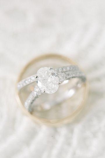 Beautiful oval ring