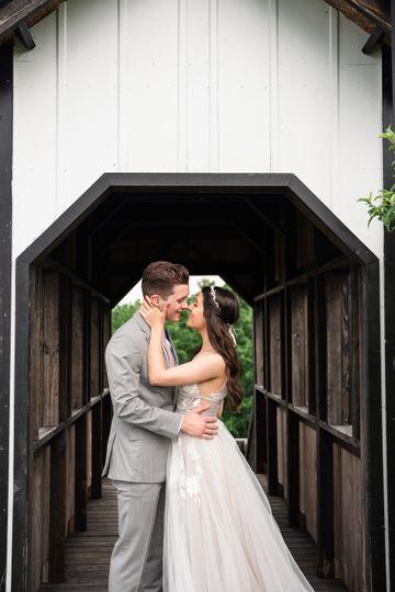 weddingbandy 105 105 104 51 928767 1566479836