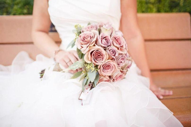 567c424cd2ca92bc 1529887297 1dde0745e0fedeb8 1529887297115 2 renessa wedding 2