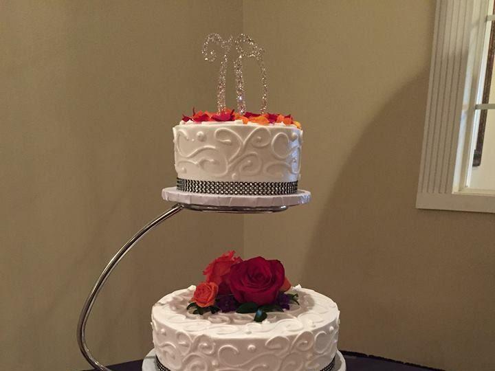 Tmx 1457382951258 Wedding Cake Swirl Design Toledo wedding cake