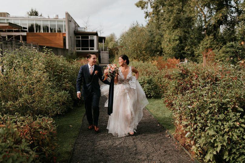 Taking a walk | PNW | Woodinville | Wedding