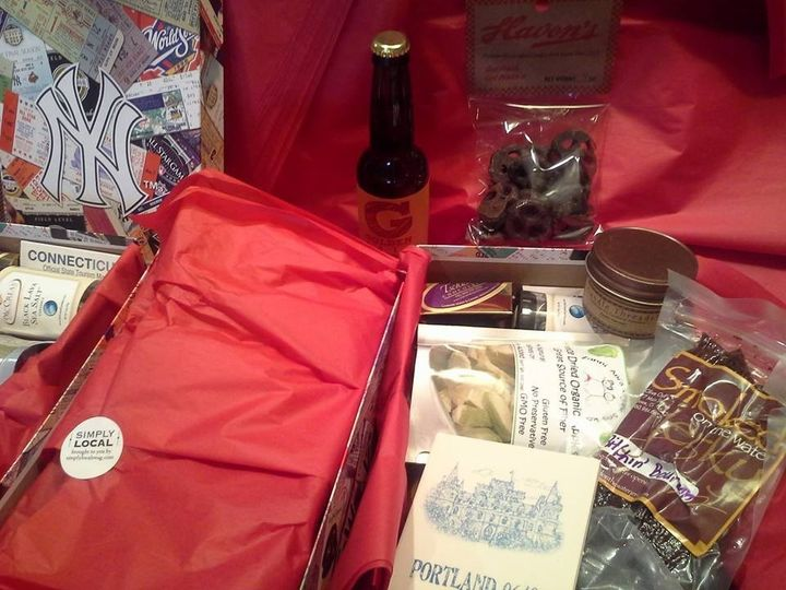Everything in this welcome box was made in New England . . . even the box itself! Featuring: sea...