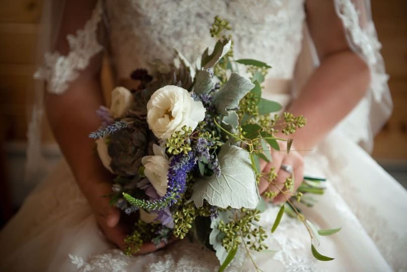 wedding bouquet 51 1945867 158395972181571