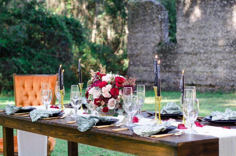 Tabby Ruins tablescape