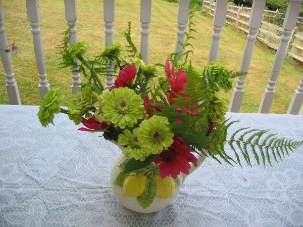 Lime zinnia with Karma dahlias