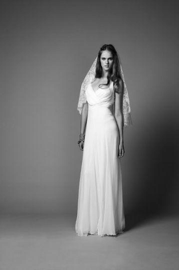 Draped Plains Long Lara Dress, Lace Heart Shaped Veil