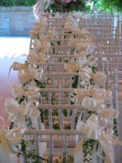 Floral festoons welcome your guests!
