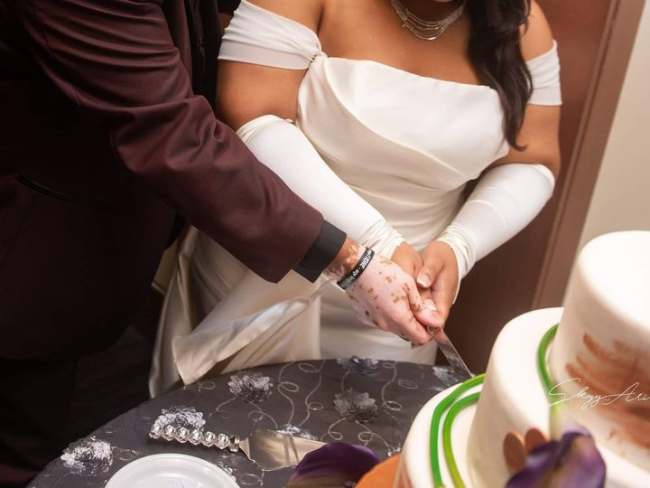 Tmx 44203314 2191565334389440 8994062586165067776 N 51 1930967 158110054172414 Atlanta, GA wedding cake